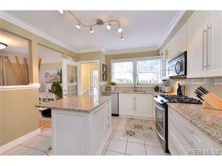 Photo 2: 976 Wollaston St in VICTORIA: Es Esquimalt House for sale (Esquimalt)  : MLS®# 693505