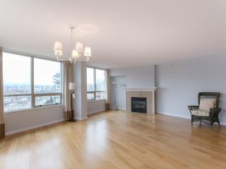 "Photo 3: 900 1570 W 7TH Avenue in Vancouver: Fairview VW Condo for sale in ""Terraces on 7th"" (Vancouver West)  : MLS®# R2532218"