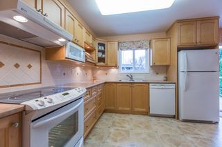 "Photo 4: 18364 63A Avenue in Surrey: Cloverdale BC House for sale in ""Don Christian Elem Area"" (Cloverdale)  : MLS®# R2151811"