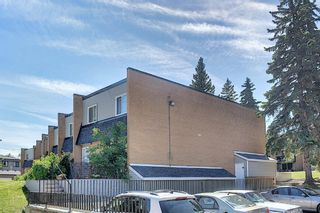 Photo 3: 3505 43 Street SW in Calgary: Glenbrook Row/Townhouse for sale : MLS®# A1122477