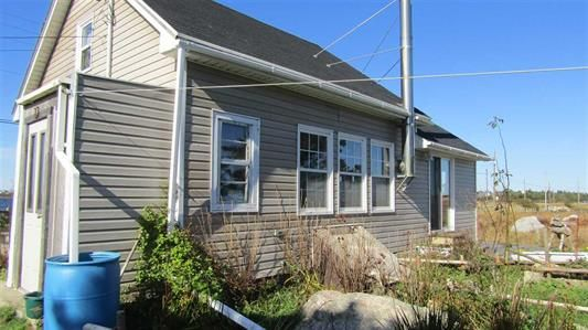 Main Photo: 179 Hawk Point Road in Clark's Harbour: 407-Shelburne County Residential for sale (South Shore)