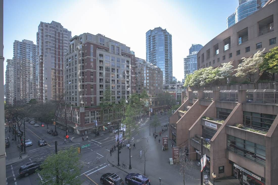 "Main Photo: 706 788 HAMILTON Street in Vancouver: Downtown VW Condo for sale in ""TV TOWERS"" (Vancouver West)  : MLS®# R2289612"