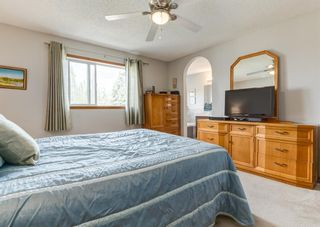 Photo 20: 126 Strathridge Close SW in Calgary: Strathcona Park Detached for sale : MLS®# A1123630