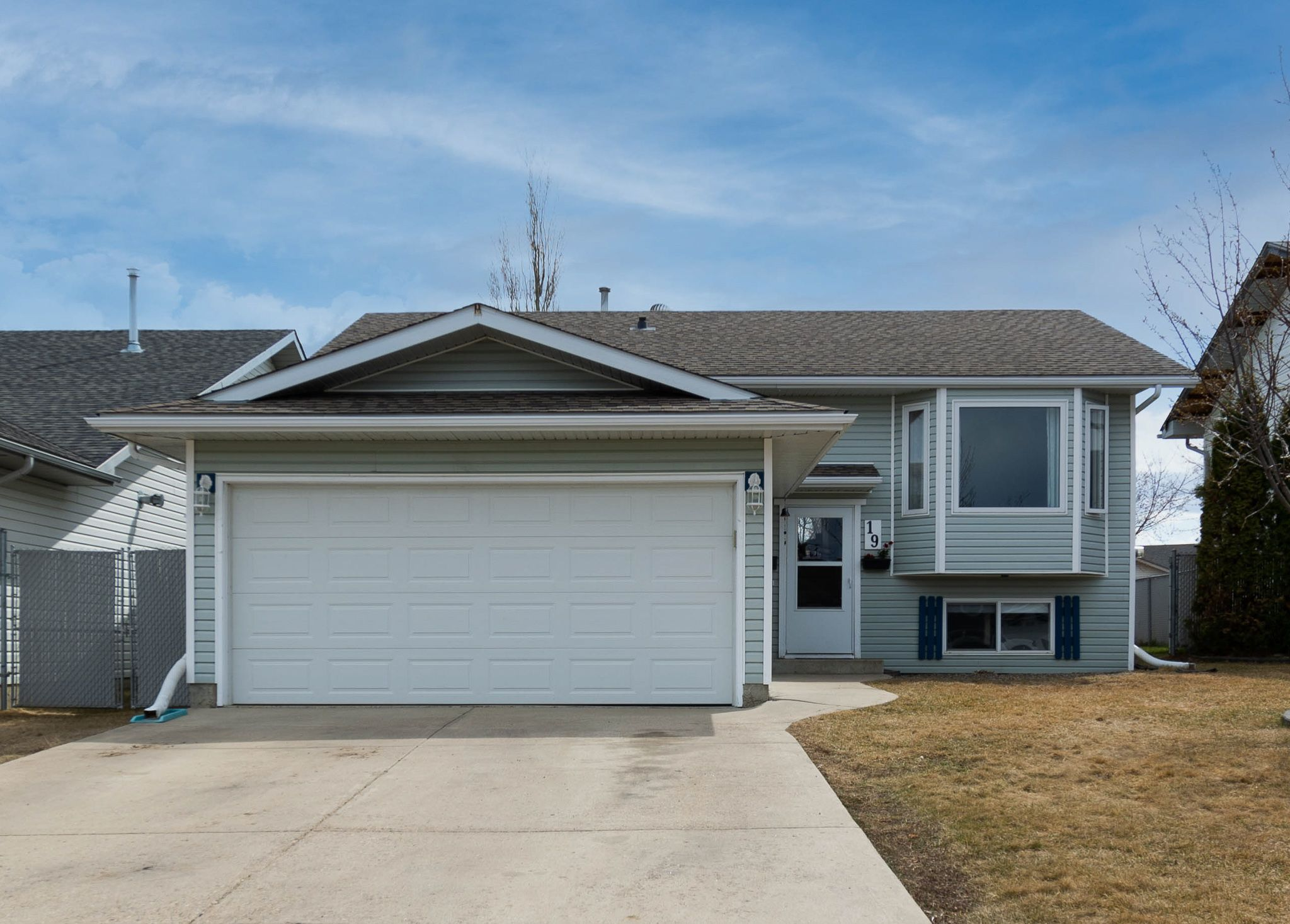 Main Photo: 19 Sammut Place N: Cold Lake House for sale : MLS®# E4246114