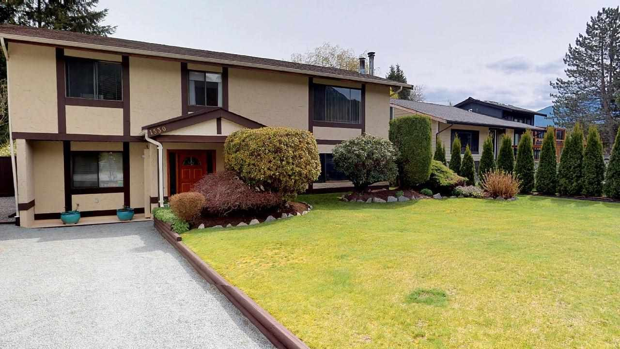 Main Photo: 1530 EAGLE RUN Drive in Squamish: Brackendale House for sale : MLS®# R2259655