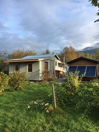 Photo 2: 2162 HIGHWAY 99 in Pemberton: Mount Currie House for sale : MLS®# R2543035