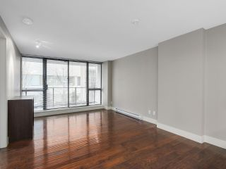 """Photo 4: 203 2959 GLEN Drive in Coquitlam: North Coquitlam Condo for sale in """"THE PARC"""" : MLS®# R2138070"""