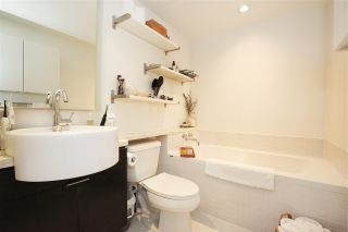 """Photo 12: 1106 1055 HOMER Street in Vancouver: Yaletown Condo for sale in """"DOMUS"""" (Vancouver West)  : MLS®# R2518319"""