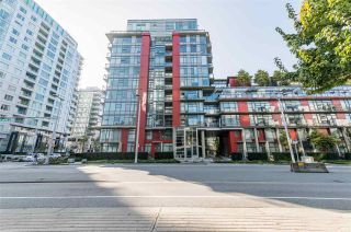 """Photo 2: 807 38 W 1ST Avenue in Vancouver: False Creek Condo for sale in """"THE ONE"""" (Vancouver West)  : MLS®# R2525858"""