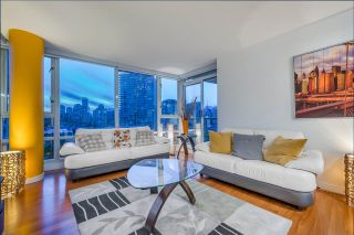 """Photo 5: 1908 1033 MARINASIDE Crescent in Vancouver: Yaletown Condo for sale in """"QUAYWEST"""" (Vancouver West)  : MLS®# R2467788"""