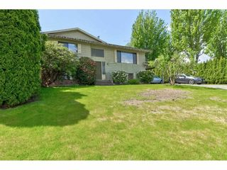 """Photo 2: 2265 MADRONA Place in Surrey: King George Corridor House for sale in """"MADRONA PLACE"""" (South Surrey White Rock)  : MLS®# R2577290"""