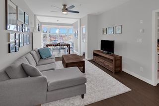 """Photo 3: 305 707 E 20TH Avenue in Vancouver: Fraser VE Condo for sale in """"Blossom"""" (Vancouver East)  : MLS®# R2438393"""