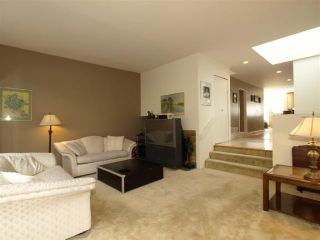 Photo 2: 836 W 13TH Avenue in Vancouver: Fairview VW 1/2 Duplex for sale (Vancouver West)  : MLS®# V818528