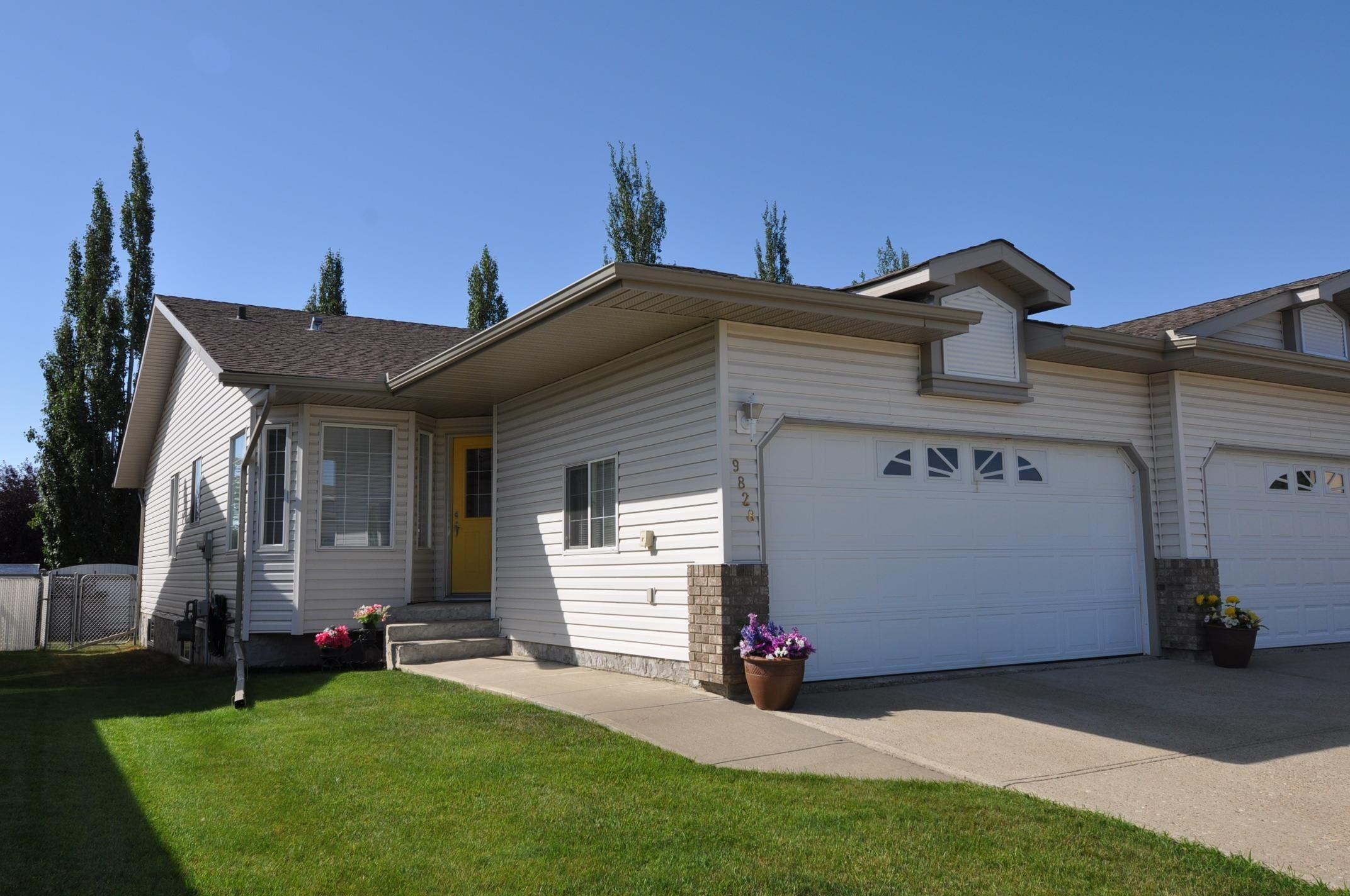 Main Photo: 9828 100A Avenue: Morinville House Half Duplex for sale : MLS®# E4258493