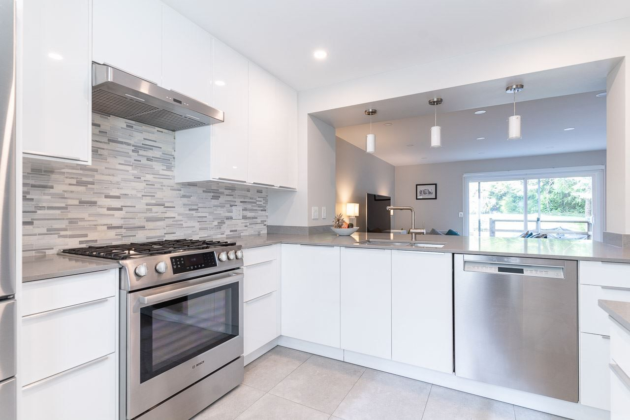"""Main Photo: 282A EVERGREEN Drive in Port Moody: College Park PM Townhouse for sale in """"Evergreen"""" : MLS®# R2570178"""
