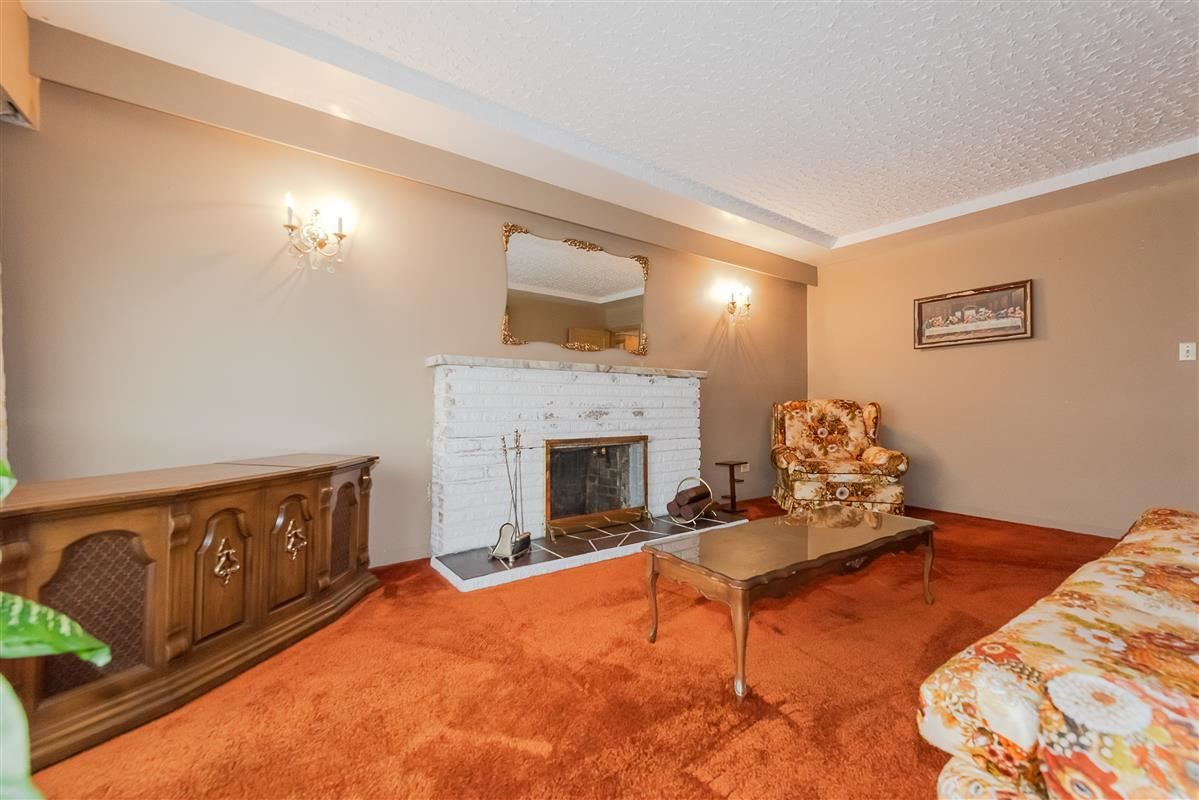 Photo 5: Photos: 3875 LILLOOET Street in Vancouver: Renfrew Heights House for sale (Vancouver East)  : MLS®# R2375620