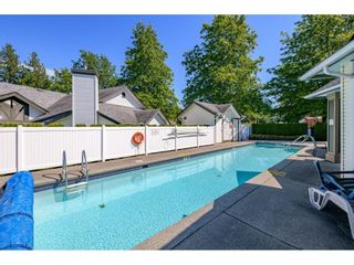 """Photo 33: 106 19649 53 Avenue in Langley: Langley City Townhouse for sale in """"Huntsfield Green"""" : MLS®# R2595915"""