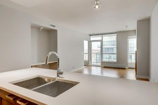 Photo 8: 1522 222 Riverfront Avenue SW in Calgary: Chinatown Apartment for sale : MLS®# A1079783