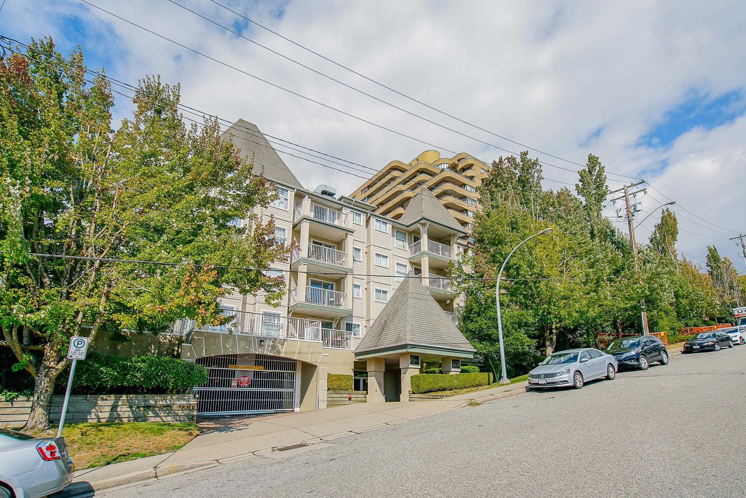 """Main Photo: 210 1035 AUCKLAND Street in New Westminster: Uptown NW Condo for sale in """"Queens Terrace"""" : MLS®# R2617172"""