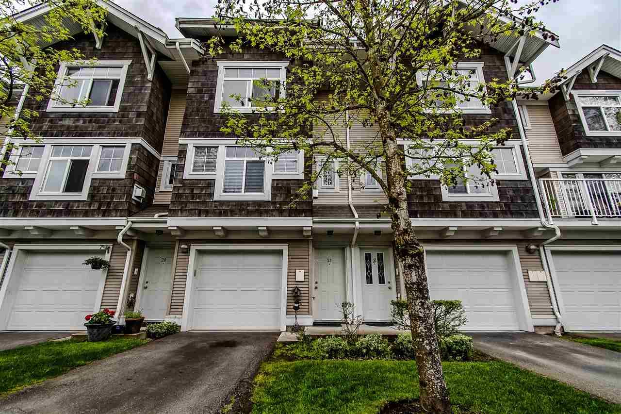 """Main Photo: 21 20771 DUNCAN Way in Langley: Langley City Townhouse for sale in """"WYNDHAM LANE"""" : MLS®# R2366373"""