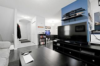 Photo 5: 53 EVERSYDE Point SW in Calgary: Evergreen Row/Townhouse for sale : MLS®# C4201757