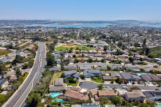 Photo 6: PACIFIC BEACH House for sale : 6 bedrooms : 2176 Balfour Ct in San Diego