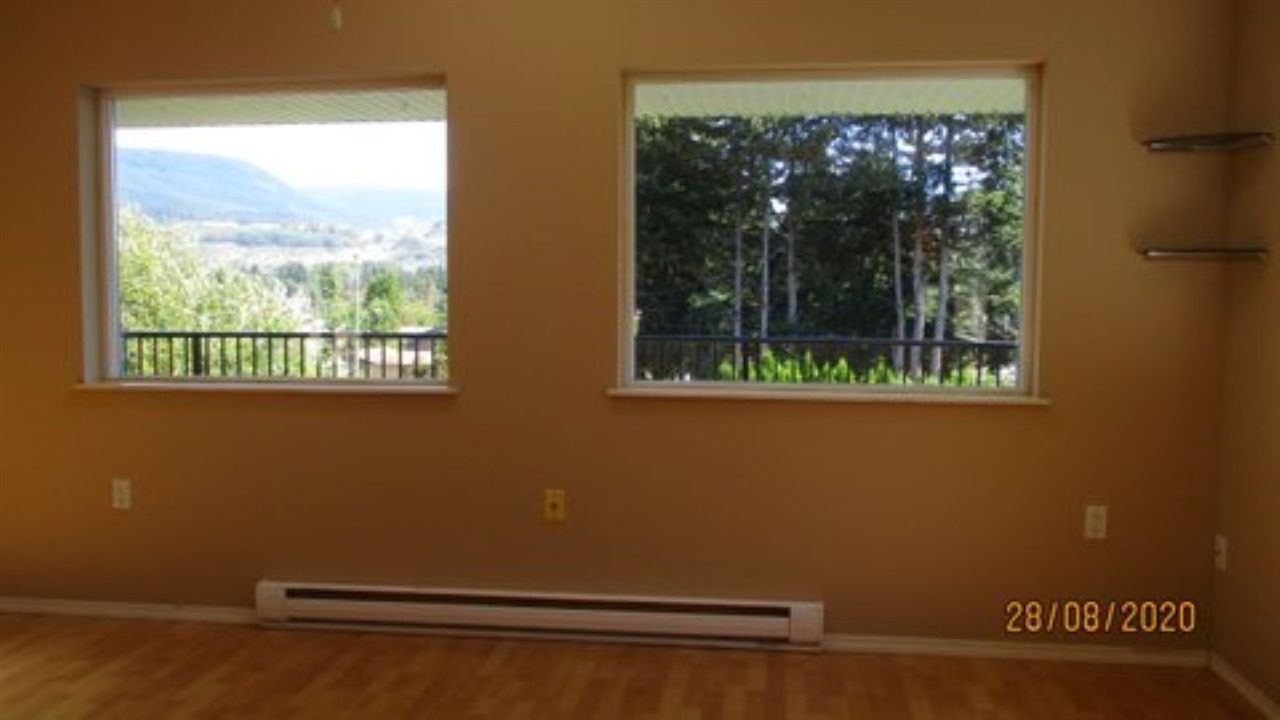 Photo 2: Photos: 5602 MEDUSA Place in Sechelt: Sechelt District House for sale (Sunshine Coast)  : MLS®# R2492143