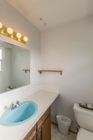 """Photo 12: 1254 DEPOT Road in Squamish: Brackendale House for sale in """"BRACKENDALE"""" : MLS®# R2012595"""