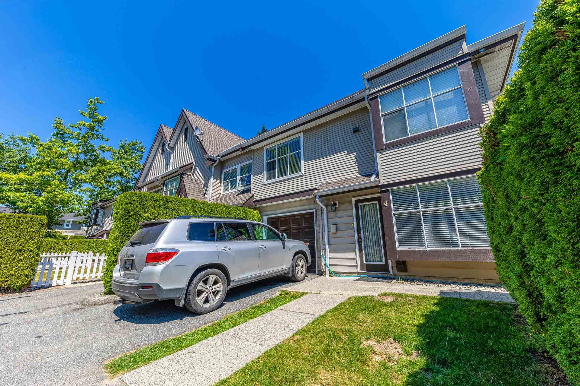 """Main Photo: 4 12099 237 Street in Maple Ridge: East Central Townhouse for sale in """"Gabriola"""" : MLS®# R2596646"""