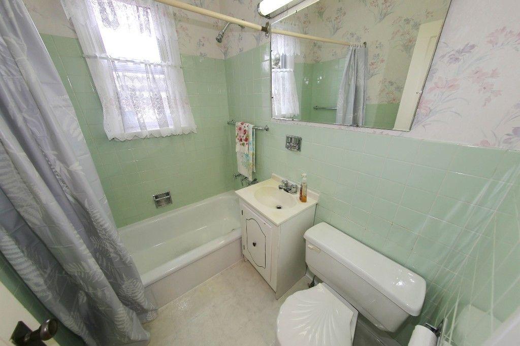 Photo 15: Photos: 899 Clifton Street in Winnipeg: West End Single Family Detached for sale (West Winnipeg)  : MLS®# 1529435