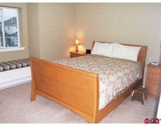 Photo 4: 14 14877 58th Avenue in Surrey: Condo for sale : MLS®# F2722914