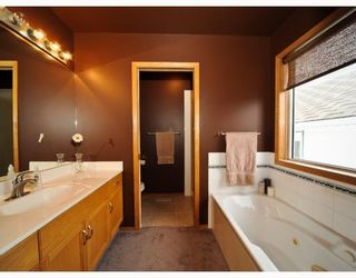 Photo 9: 178 SIERRA MORENA Close SW in CALGARY: Richmond Hill Residential Detached Single Family for sale (Calgary)  : MLS®# C3357815