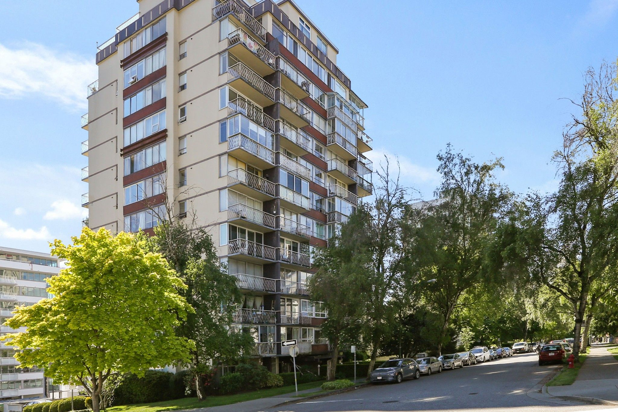 """Main Photo: 708 1100 HARWOOD Street in Vancouver: West End VW Condo for sale in """"Martinique"""" (Vancouver West)  : MLS®# R2583773"""