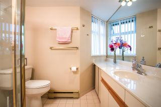 """Photo 8: 603 6055 NELSON Avenue in Burnaby: Forest Glen BS Condo for sale in """"La Mirage II"""" (Burnaby South)  : MLS®# R2194645"""