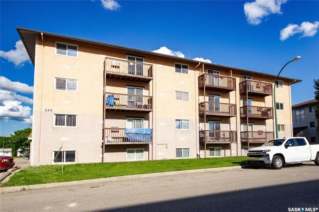 Main Photo: 305 522 X Avenue South in Saskatoon: Meadowgreen Residential for sale : MLS®# SK836160
