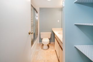 """Photo 16: C1 1100 W 6TH Avenue in Vancouver: Fairview VW Townhouse for sale in """"Fairview Place"""" (Vancouver West)  : MLS®# R2141815"""