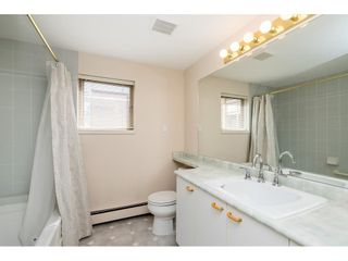 """Photo 16: 705 15111 RUSSELL Avenue: White Rock Condo for sale in """"Pacific Terrace"""" (South Surrey White Rock)  : MLS®# R2594025"""