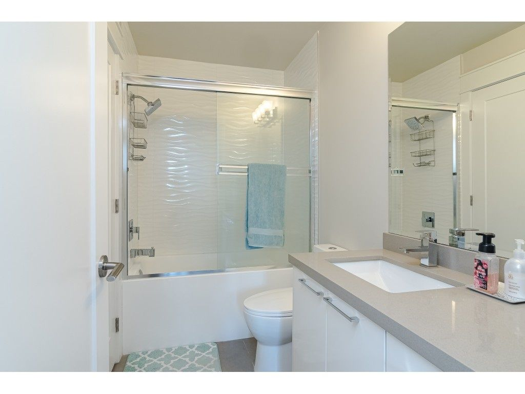 """Photo 16: Photos: 315 19228 64 Avenue in Surrey: Clayton Condo for sale in """"FOCAL POINT"""" (Cloverdale)  : MLS®# R2481765"""