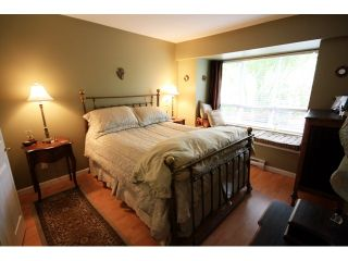 """Photo 5: 43 6577 SOUTHOAKS Crescent in Burnaby: Highgate Townhouse for sale in """"TUDOR GROVE"""" (Burnaby South)  : MLS®# V831621"""