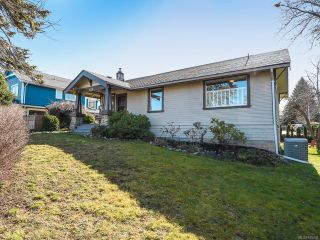 Photo 2: 528 3rd St in COURTENAY: CV Courtenay City House for sale (Comox Valley)  : MLS®# 835838