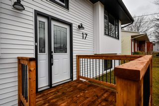 Photo 2: 17 Carlisle Drive in Colby Village: 16-Colby Area Residential for sale (Halifax-Dartmouth)  : MLS®# 202107356