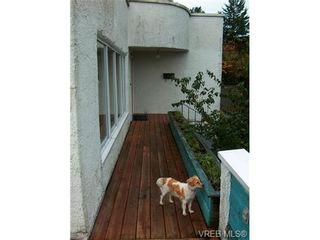 Photo 11: 318 Uganda Ave in VICTORIA: Es Kinsmen Park Half Duplex for sale (Esquimalt)  : MLS®# 738139