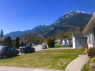 """Photo 17: 1046 EDGEWATER Crescent in Squamish: Northyards House for sale in """"EDGEWATER CRESCENT"""" : MLS®# R2451801"""