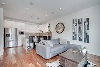 Photo 2: 1 4733 17 Avenue NW in Calgary: Montgomery Row/Townhouse for sale : MLS®# C4293342