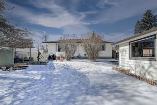 Photo 40: 716 Thorneycroft Drive NW in Calgary: Thorncliffe Detached for sale : MLS®# A1089145