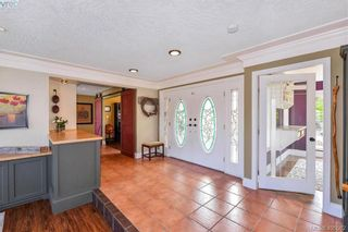 Photo 10: 1716 Woodsend Dr in VICTORIA: SW Granville House for sale (Saanich West)  : MLS®# 805881