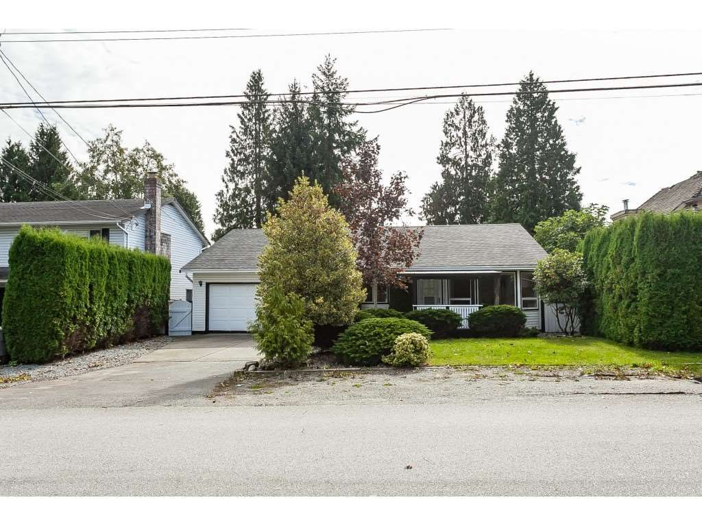 Main Photo: 15914 20 Avenue in Surrey: King George Corridor House for sale (South Surrey White Rock)  : MLS®# R2408538