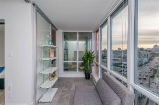 """Photo 13: 1409 1788 COLUMBIA Street in Vancouver: False Creek Condo for sale in """"Epic at West"""" (Vancouver West)  : MLS®# R2392931"""