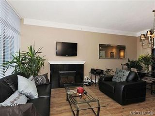 Photo 2: 611 845 Yates St in VICTORIA: Vi Downtown Condo for sale (Victoria)  : MLS®# 680612
