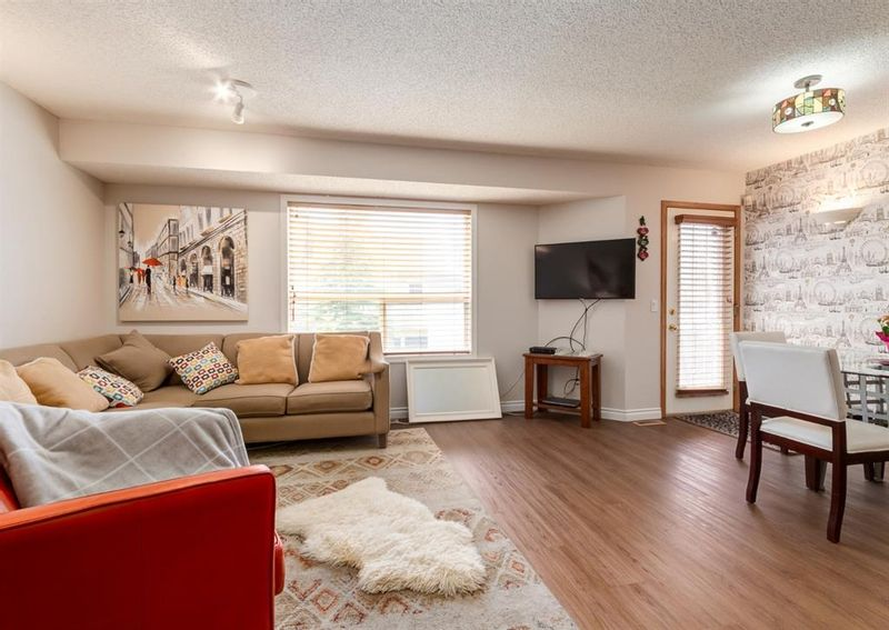 FEATURED LISTING: 136 MT ABERDEEN Manor Southeast Calgary
